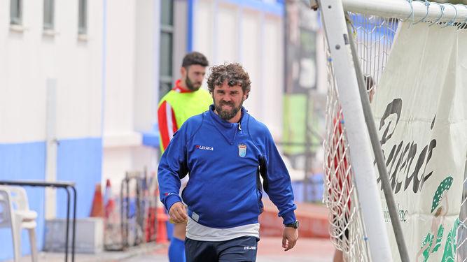 http://www.xerezclubdeportivo.es/wp-content/uploads/2018/04/Juan-Pedro-sentarse-banquillo-domingo_1233786732_83086209_667x375.jpg