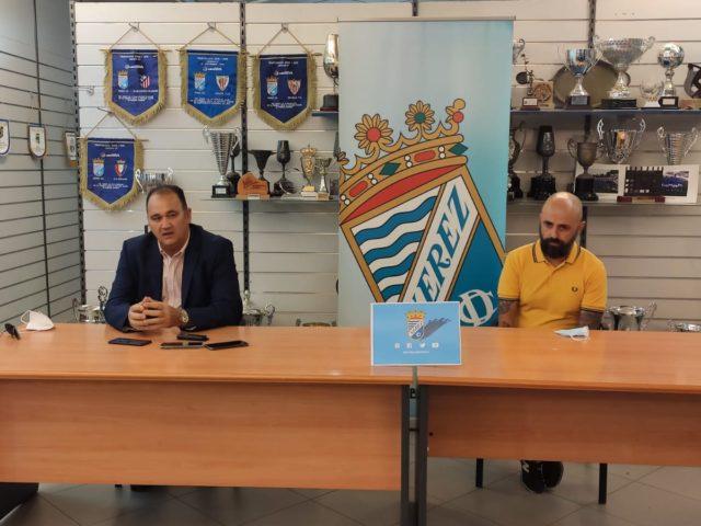 http://www.xerezclubdeportivo.es/wp-content/uploads/2020/05/Rueda-de-prensa-despedida-Vicente-Vargas-640x480.jpg