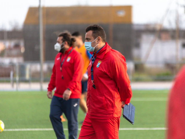 https://www.xerezclubdeportivo.es/wp-content/uploads/2021/02/21.02.08-Xerez_016-640x480.jpg